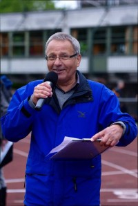 Ansage Norbert Lieske bei der DM 10.000m Aichach 2014